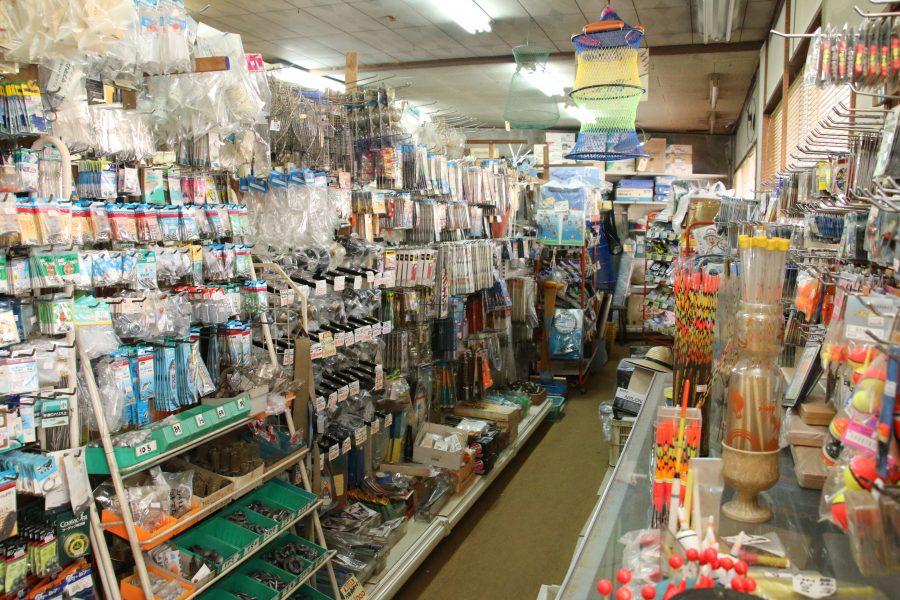 多くのファンに親しまれる釣り具専門店
